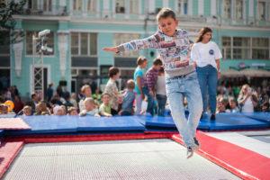 прыжки на батуте день города